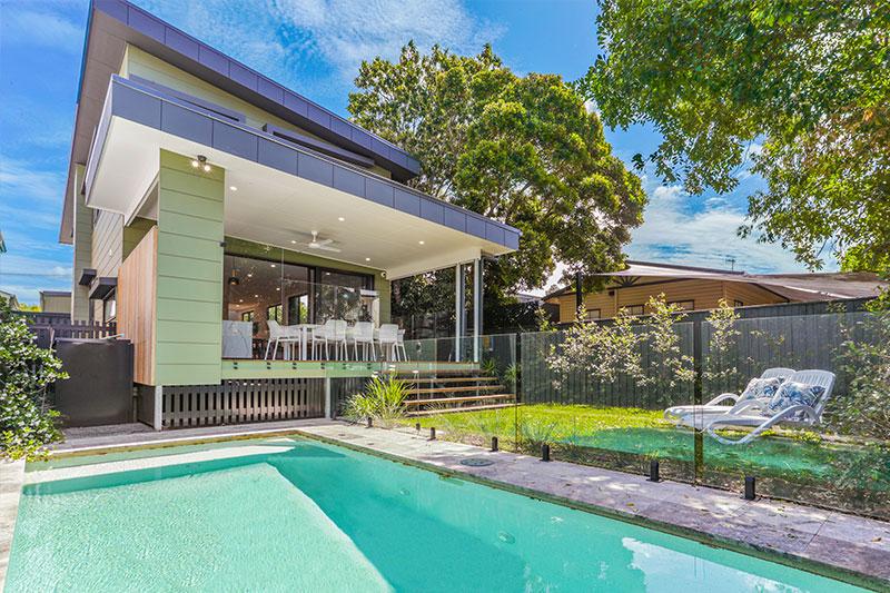 House and pool at 1/20 Nannygai Street