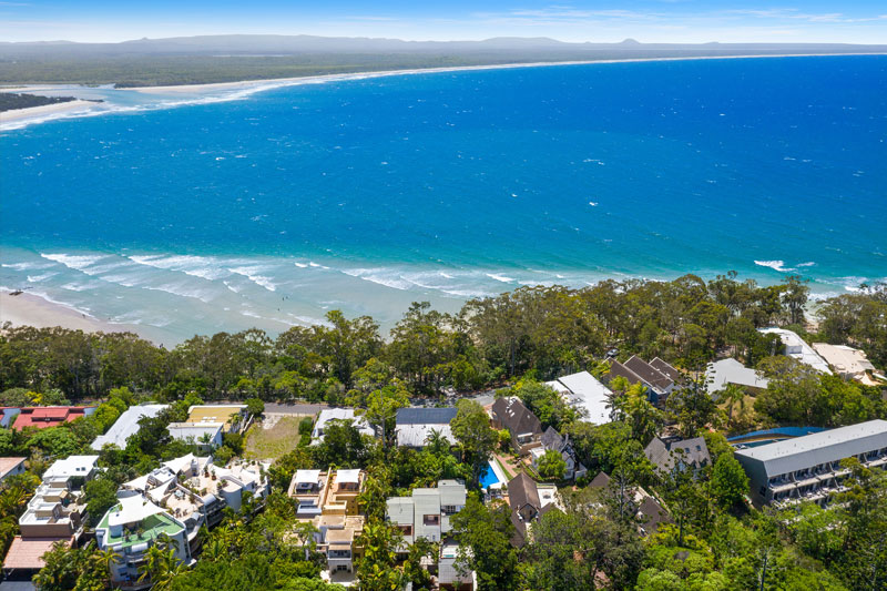 noosa beach abodes -View of little cove beach from 3-13 mitti road