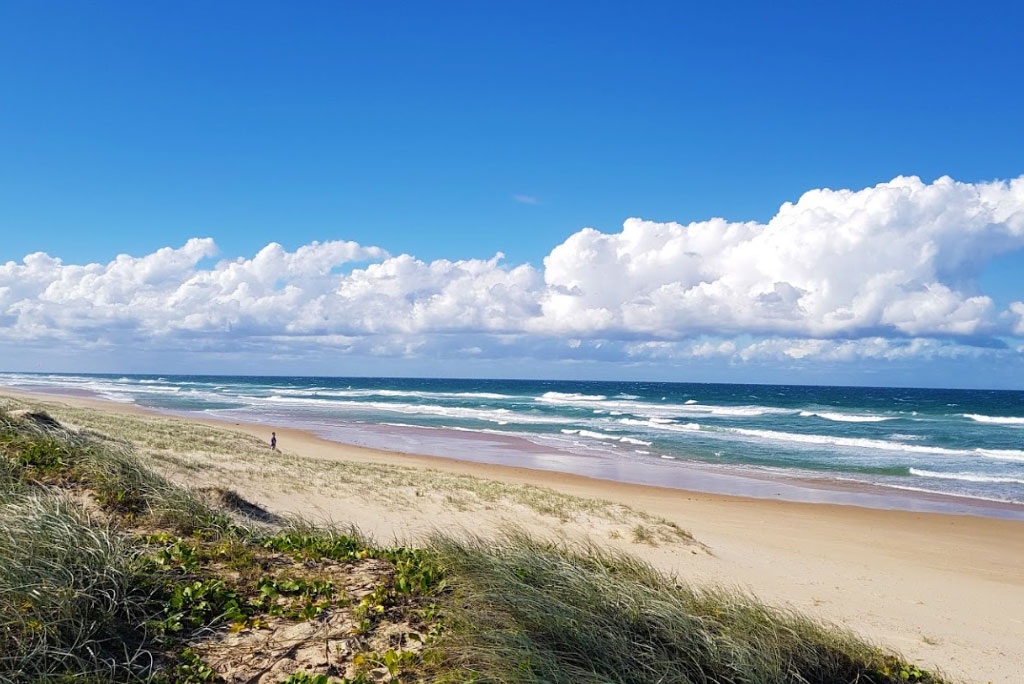 castaways beach accommodation