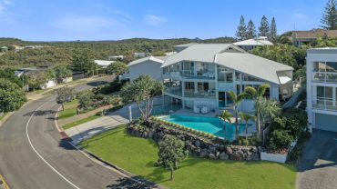 60 Orient Drive, Sunrise Beach